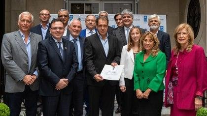 Daniel Hadad junto a integrantes de la Mesa Directiva de la Red Argentina del Pacto Global
