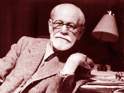 Ya desde 1905  Freud consideraba al humor las más elaborada operación defensiva frente a la posibilidad de sufrimiento (Universal History Archive/UIG/Shutterstock)