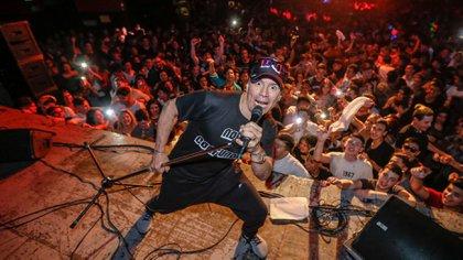 Pablo Lescano, en uno de sus multitudinarios shows (Foto: Nicolás Aboaf)