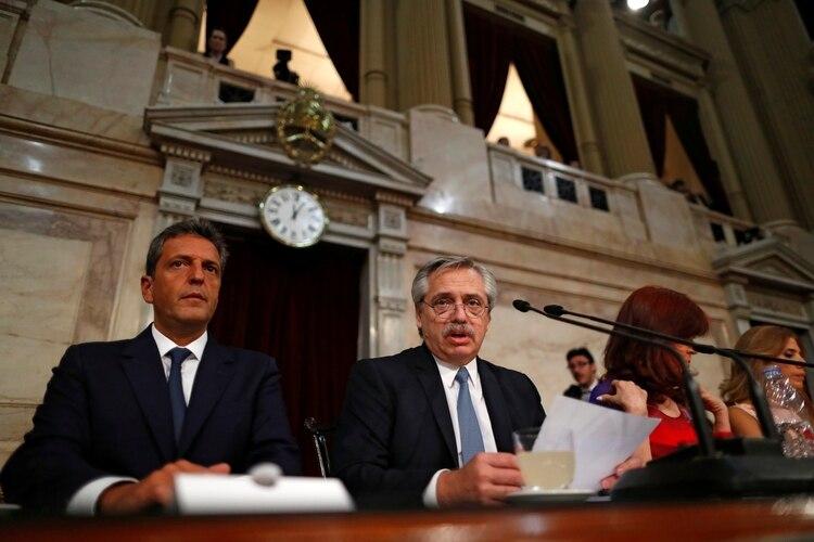 Alberto Fernández durante su discurso ante la Asamblea Legislativa en la apertura de sesiones del Congreso (REUTERS/Agustin Marcarian)