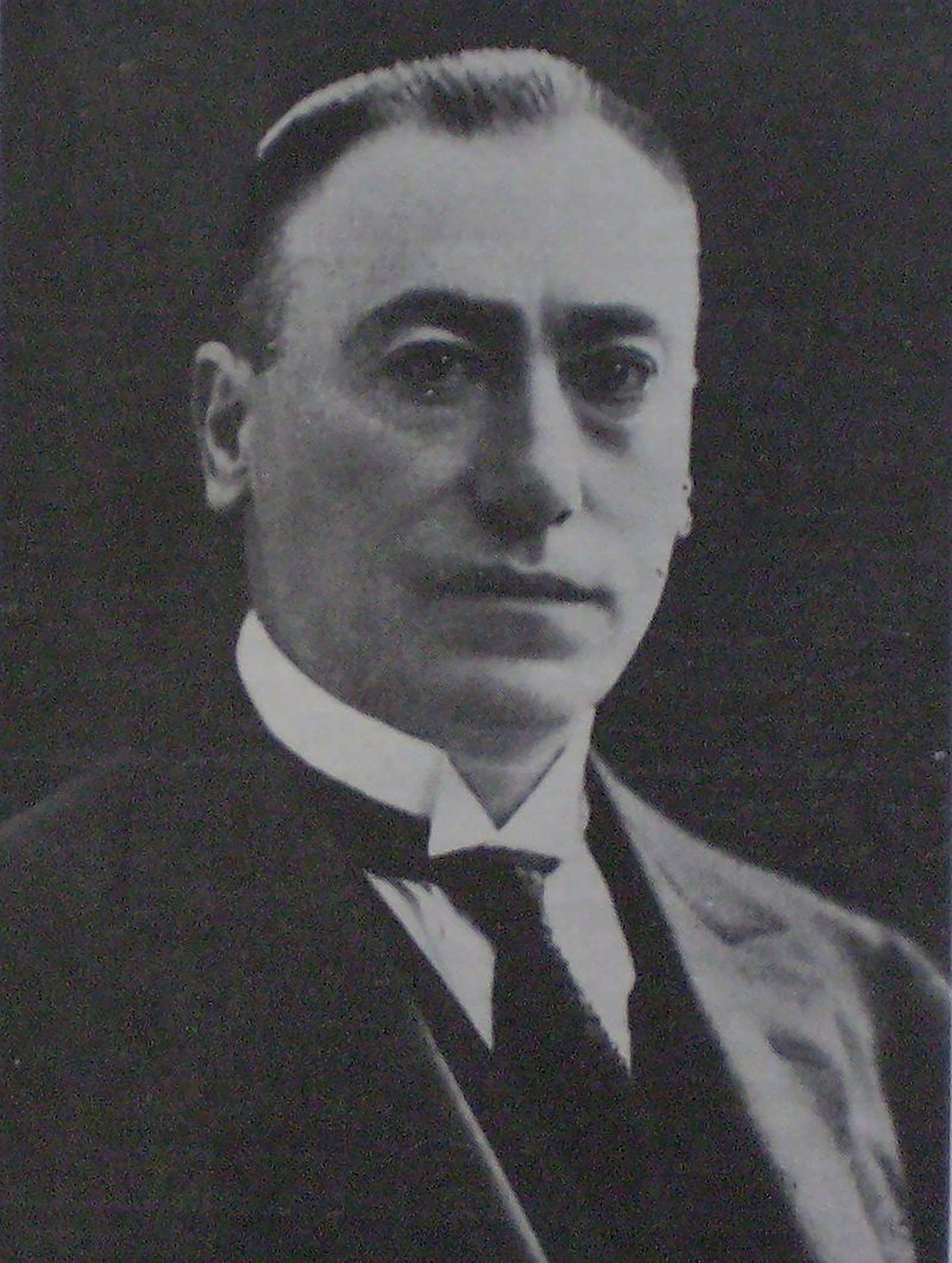 El funcionario fue ministro de Guerra en la primera presidencia de Hipólito Yrigoyen, a quien admiraba