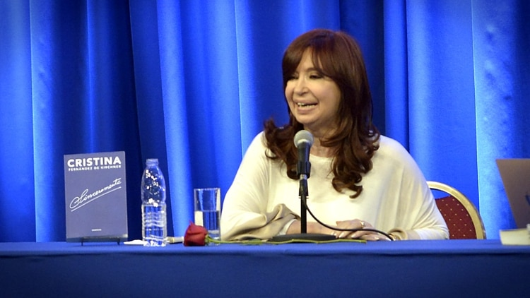 Cristina presentó Sinceramente en La Matanza. (Gustavo Gavotti)