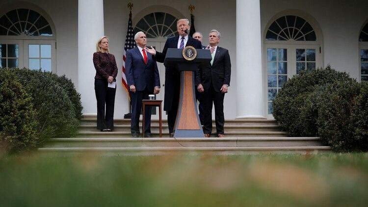 Donald Trump anunció el 4 de enero en la Casa Blanca que estudia declarar la emergencia nacional para construir el muro con México sin aprobación del Congreso (Reuters)