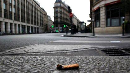 Las personas que arrojen colillas de cigarrillos a la vía pública en la ciudad de Buenos Aires serán multadas hasta con 15.000 pesos (EFE)