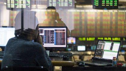 La creciente presión tributaria llegó a las rentas generadas por inversiones en títulos públicos en un año de fuertes pérdidas de capital (NA)