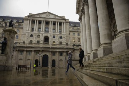 The Bank of England in the square mile financial district of the City of London, U.K., on Monday, Jan. 4, 2021. Britain's long-awaited trade deal with the European Union still leaves many questions unanswered for the world's biggest banks, trading venues and money managers as they prepare for a rupture in the region's financial system. Photographer: Jason Alden/Bloomberg