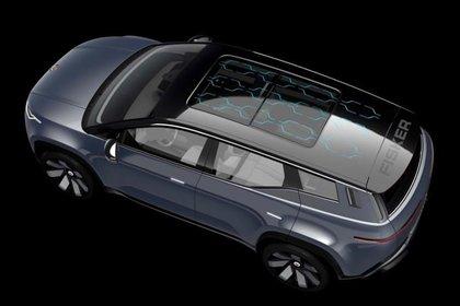 La recarga a través de paneles solares en el techo, en el Fisker Ocean. (Fisker)