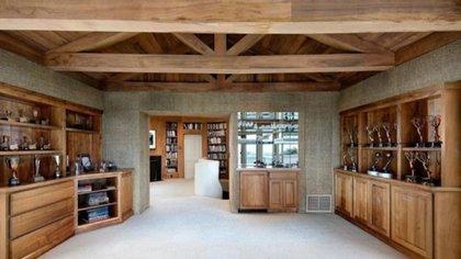 Una de las habitación que tiene la nueva mansión de LeBron (Gentileza expansión)