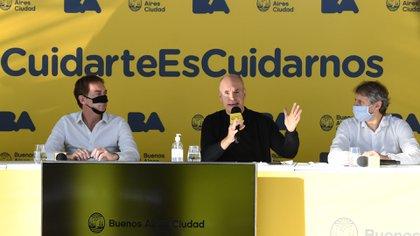 Larreta estuvo acompañado de sus colaboradores más cercanos, como el videjefe de gobierno Diego Santilli y el jefe de Gabinete, Felipe Miguel (Maximiliano Luna)