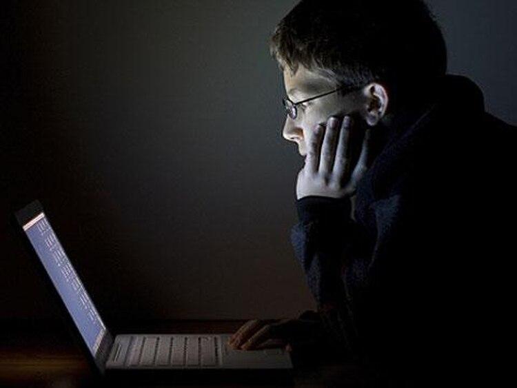 El comportamiento habitual del tráfico de internet en el país llega a un pico diurno alrededor de las 16, para menguar en las horas siguientes y luego volver a subir con un otro pico nocturno, que siempre es el mayor de la jornada y se produce entre las 20 y las 24.