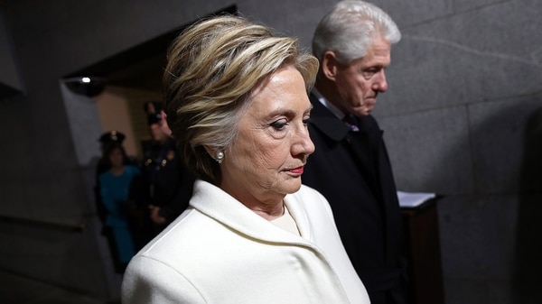La campaña de Hillary Clinton se vió afectada por hackeos e información falsa (AFP)