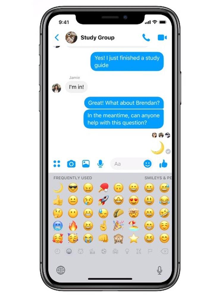 Enviar un emoji de media luna (Foto: captura de pantalla)