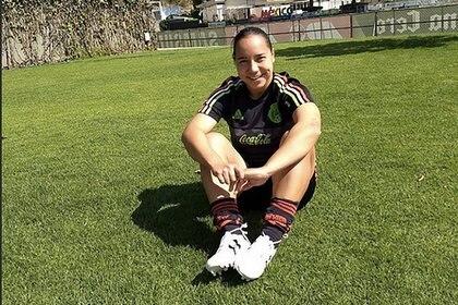 Ha sido la jugadora más joven en anotar en un Mundial (Foto: @CharlynCorral)