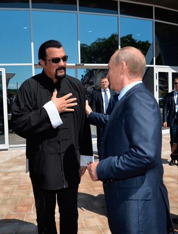 Steven Seagal, cercano al gobierno de Vladimir Putin en Rusia