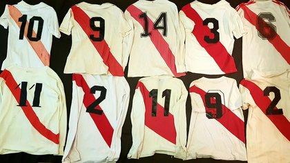 El dorso de las camisetas titulares de River entre 1950 y 1980