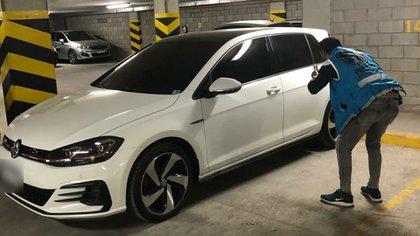Este es el Volkswagen Golf con el que atropellaron y mataron a un nene de 5 años en Flores