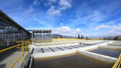 Consulte esta nota y prográmese  con la suspensión de agua y mantenimiento de acueducto en Bogotá / Foto: Prensa EEAABB.