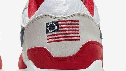 Subir pecador gráfico  Unas zapatillas Nike con la