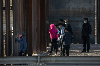 17/03/2021 La llegada de migrantes a la frontera de Estados Unidos se dispara en marzo. La llegada de migrantes a la frontera sur estadounidense puerta de entrada al país para quienes quieren llegar desde México se ha disparado en el mes de marzo
