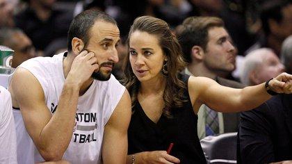 Hammon forma parte del cuerpo técnico de los Spurs desde 2014 (Foto: Especial)