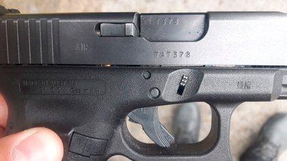La pistola en el Audi A4 de Guastini. Nunca llegó a dispararla.