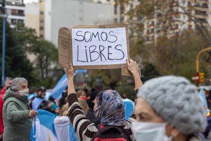Una imagen del banderazo, en esta oportunidad en Mar del Plata, para rechazar el avance del Estado contra la propiedad privada (Christian Heit)