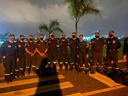 Bomberos de Cali ofrecieron sus servicios de ayuda a las poblaciones afectadas por los huracanes.