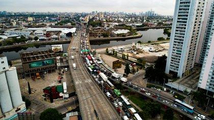 El acceso a la Ciudad por zona sur totalmente colapsado