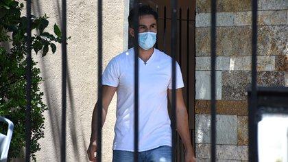 Luque, durante el allanamiento en su casa (Nicolás Stulberg)