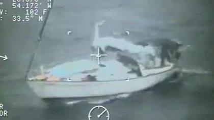 El bote perdió el rumbo a 160 kilómetros de la costa