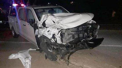 Así quedó el auto en el que viajaba el funcionario (Foto: Twitter)