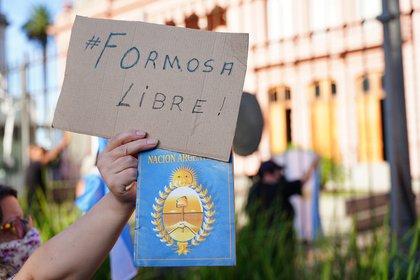 En la manifestación también se escucharon reclamos en repudio a la situación que se vive en la provincia de Formosa con respecto a las libertades de los contagiados con Covid-19 (Franco Fafasuli)