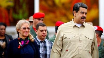 Nicolás Maduro junto a su esposa Cilia Flores en un acto junto a las milicias enCaracasel pasado 27de julio (Foto: Reuters).
