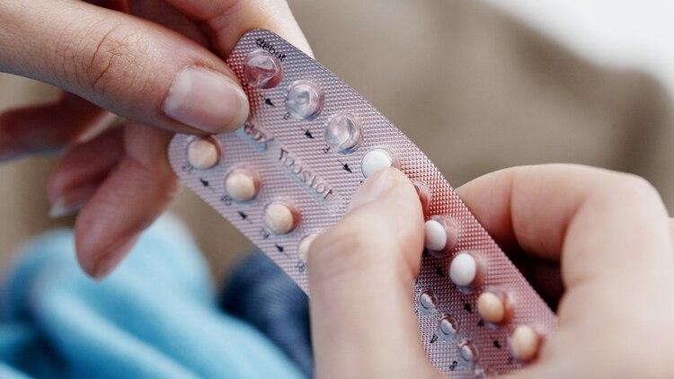 Otros tipos de anticonceptivos, como los DIU y los implantes de brazo, también caducan, pero tienden a tener una vida útil más larga que la píldora. Por ejemplo, el DIU Mirena está aprobado por la FDA para durar 5 años (Shutterstock)