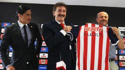 Ricardo La Volpe durante su presentación con el equipo (Foto: Archivo)