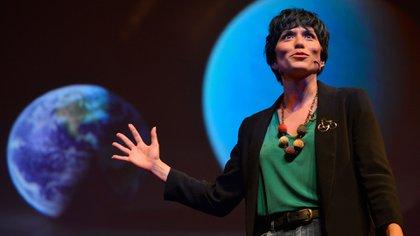 Yamila obtuvo su licenciatura en Astronomía en la Universidad Nacional de La Plata