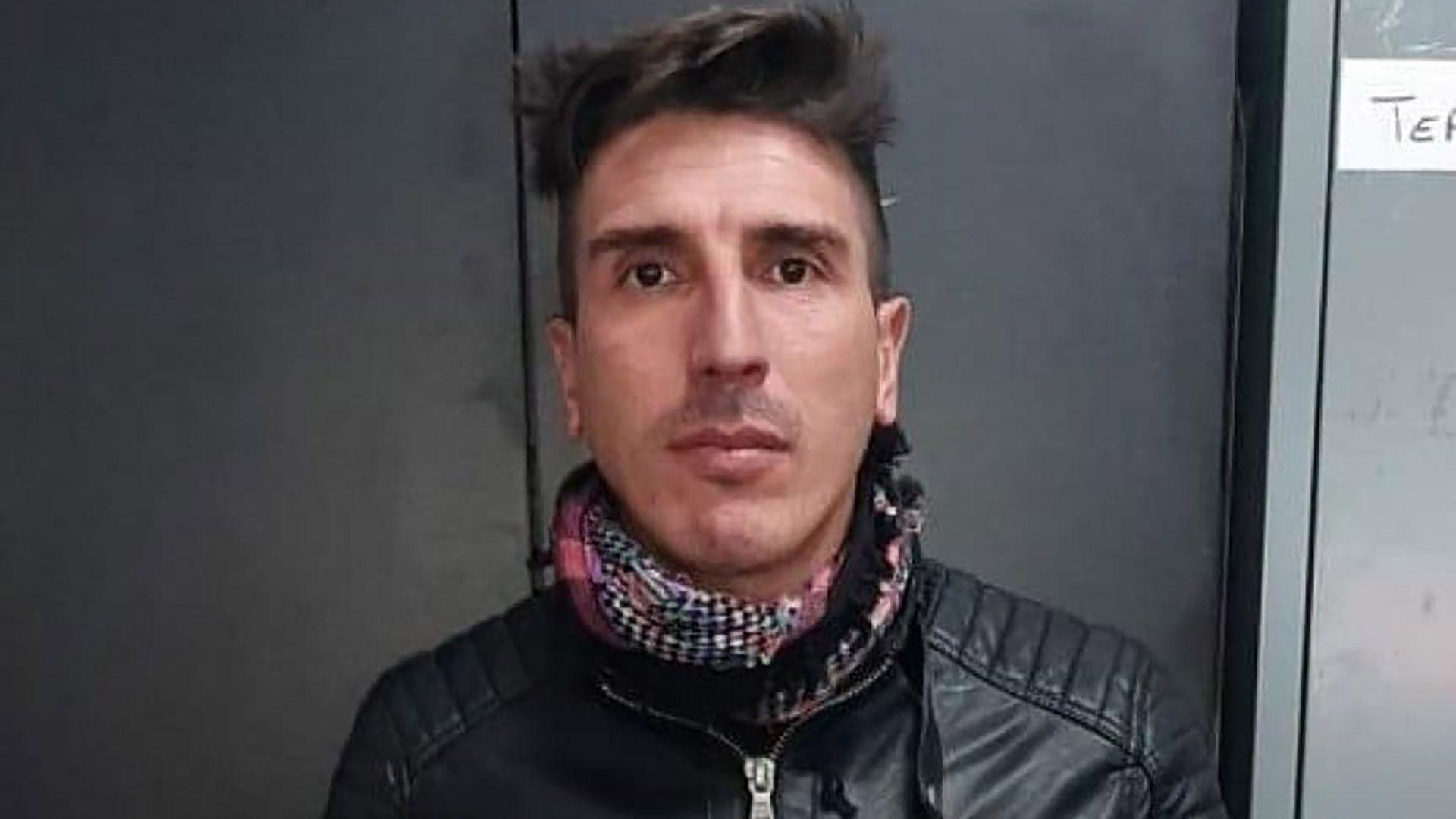 El ex futbolista Carlos Arano fue detenido por la Policía de la Ciudad