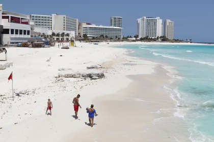 El turismo que visitaba Cancún era el principal segmento de sus consumidores (Foto: REUTERS/Jorge Delgado/File Photo)