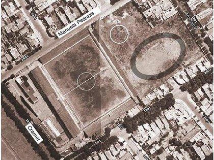 Además de la cancha de fútbol, en el lugar se construyeron otras de básquet y tenis, y un velódromo (en donde luce el óvalo dibujado)