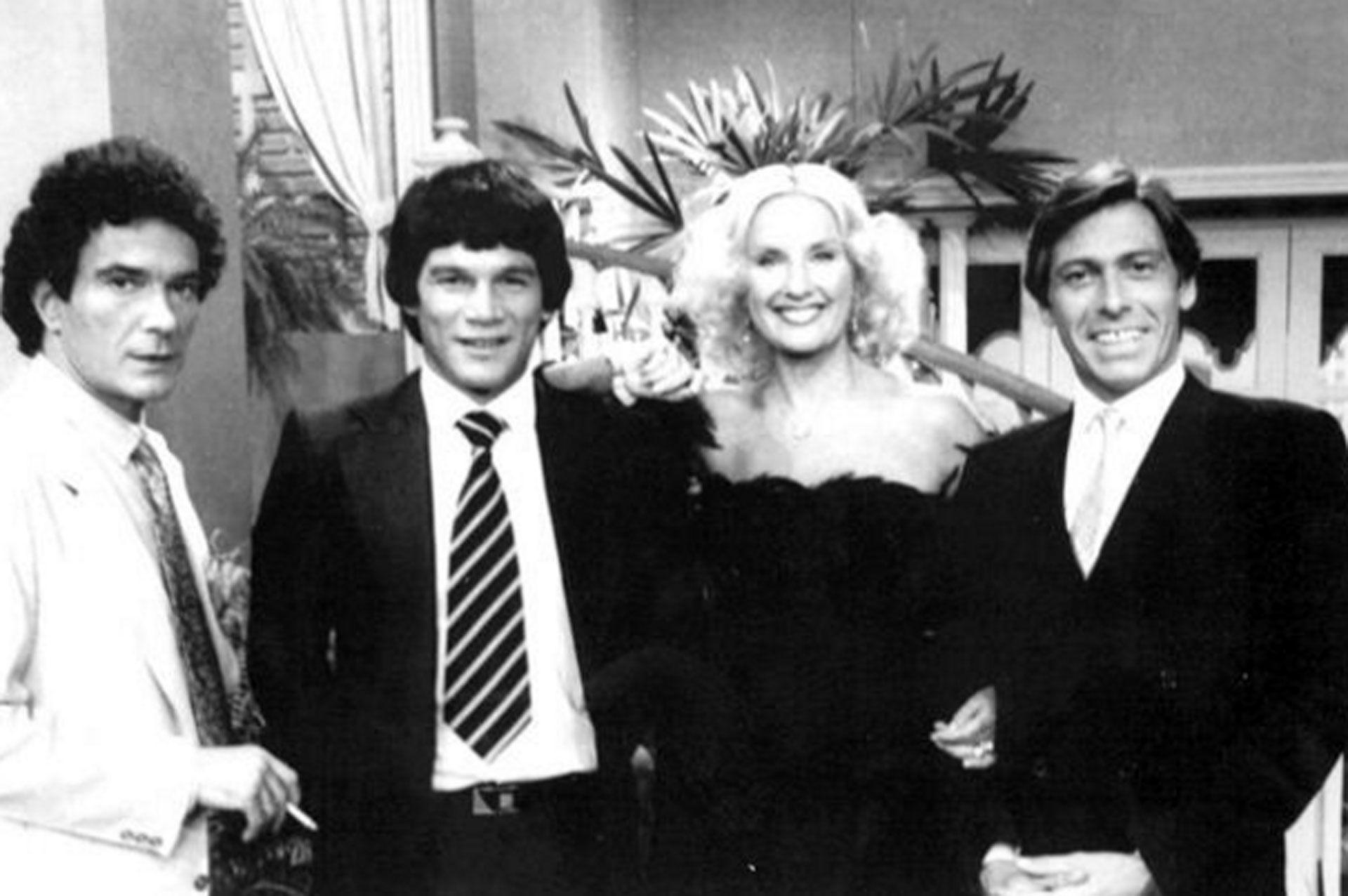 Alfredo Alcón, Carlos Monzón, Mirtha Legrand y Andrés Percivale