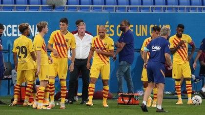 Ronald Koeman cuenta actualmente en el Barcelona con una base firme de 17 jugadores (REUTERS)