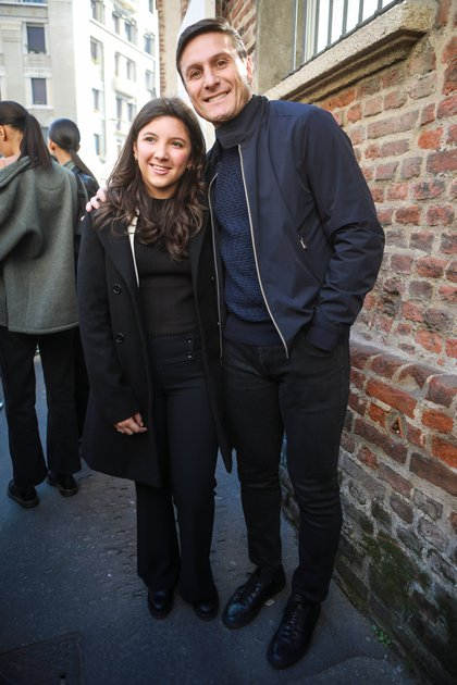 """Javier """"Pupi"""" Zanetti junto a su hija Sol en el desfile de Salvatore Ferragamo en Milán Fashion Week"""