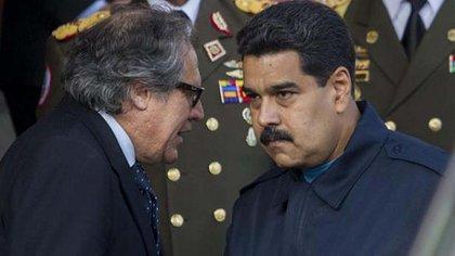 Luis Almagro y Nicolás Maduro está enfrentados por la tensión entre Venezuela y la OEA