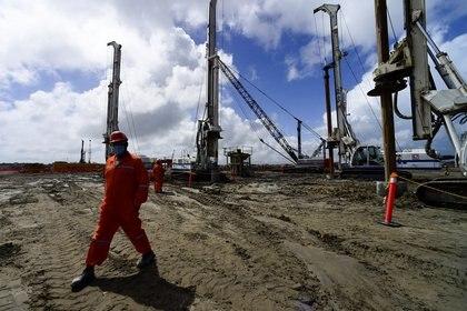 La refinería de Dos Bocas es una de las megaobras más importantes del sexenio de López Obrador. (Foto: Presidencia de México/Reuters)
