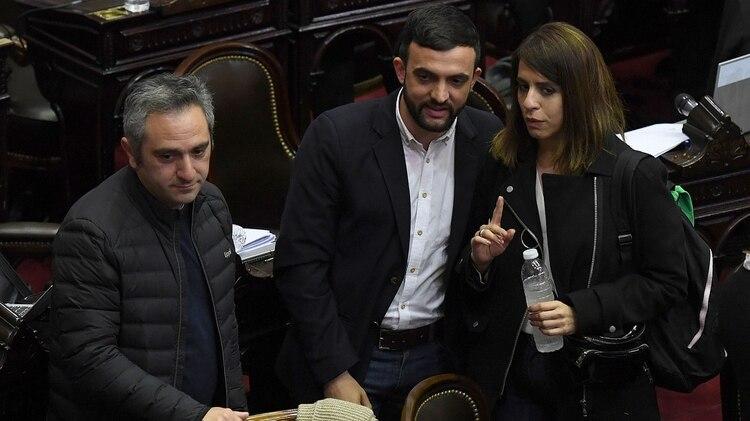 """Andrés """"Cuervo"""" Larroque , Leonardo Grosso y Victoria Donda (Maximiliano Luna)"""