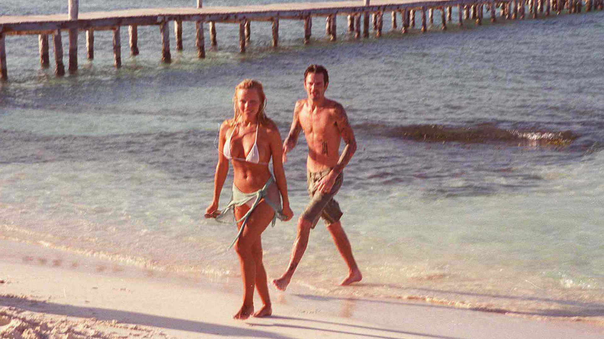 Pamela Anderson y Tommy Lee el día de su casamiento en Cancún, México (Getty)