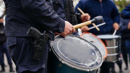 Pistola al cinto en la protesta de Olivos (Franco Fafasuli)