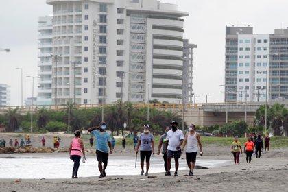 Las ciudades del Caribe son en las que más se sienten alegres los jóvenes, pese a todos los problemas de la pandemia. Foto: EFE/ Ricardo Maldonado Rozo
