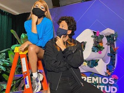 Danna Paola y Sebastian Yatra se reencuentran en Estados Unidos como parte de la preparación para actuar el próximo 13 de agosto