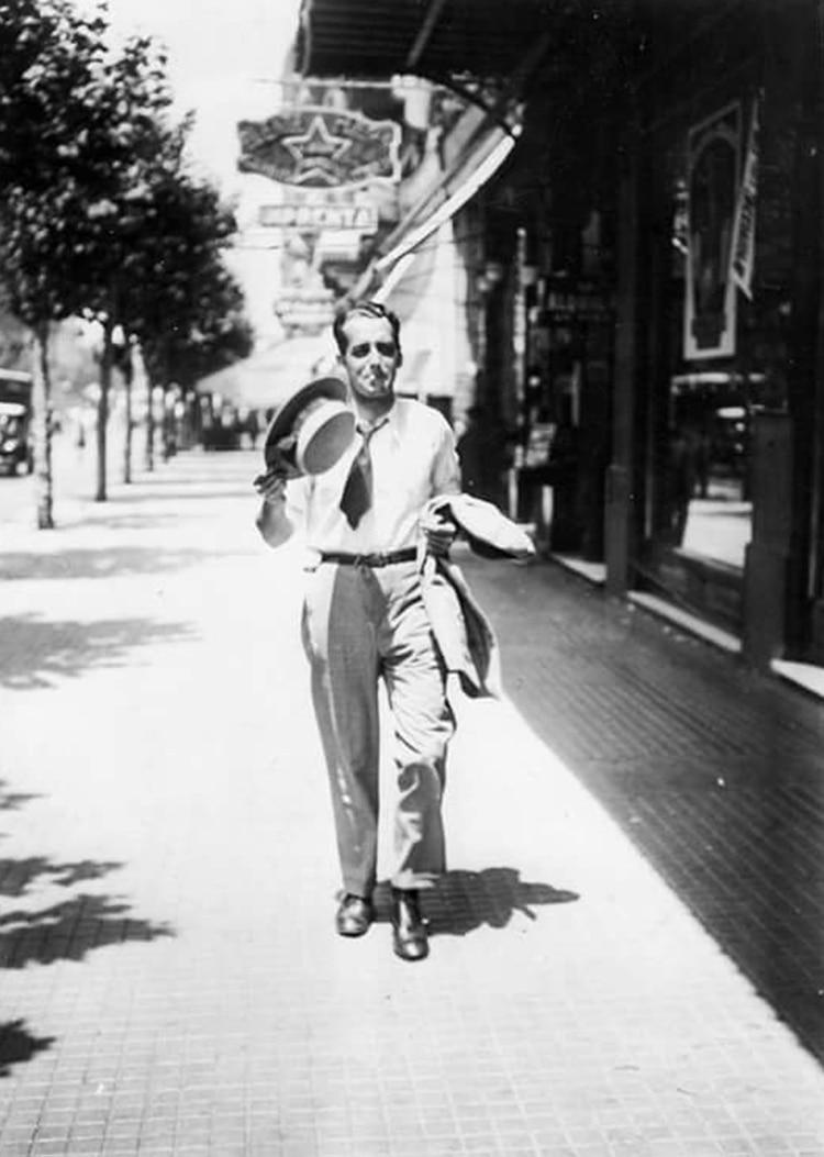 Un porteño en una ola de calor de 1930 (Archivo General de la Nación)